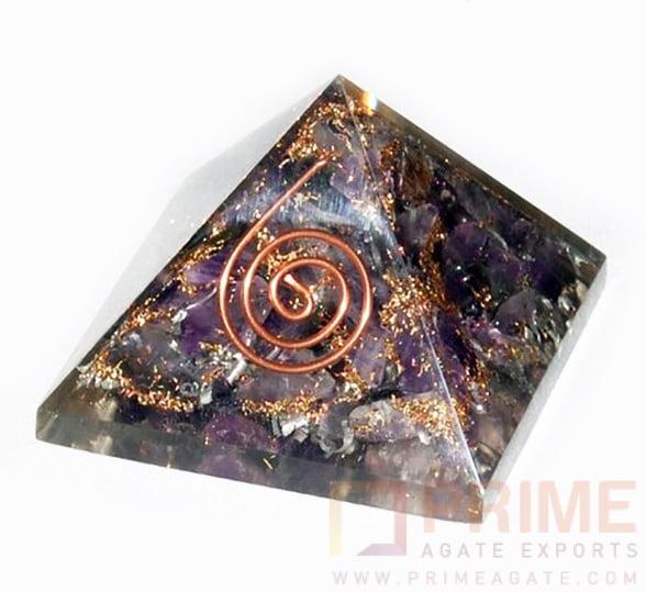 AmethystChakraOrgone-Pyramid