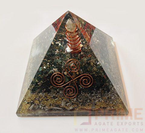MalachiteOrgoneVastuAluminiumCopperLayerPyramid-WithCrystalPoint