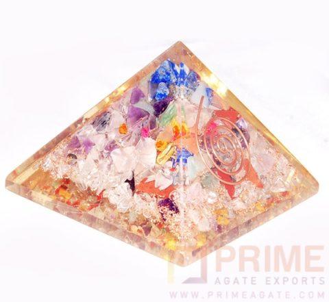 MultiStoneGemstoneOrgoneChakra-Pyramid