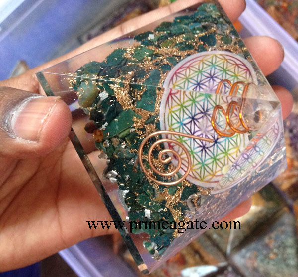Orgone-Blood-Stone-Flower-Of-Life-Pyramid-With-Charge-Crystal-Point
