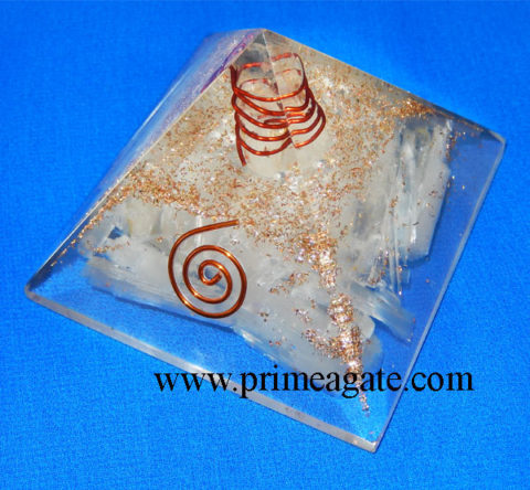 Orgone-Selenite-Pyramid-With-Charge-Crystal-Point