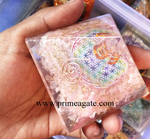 Rose-Quartz-Orgonite-Flower-Of-Life-Pyramid-With-Charge-Crystal-Point