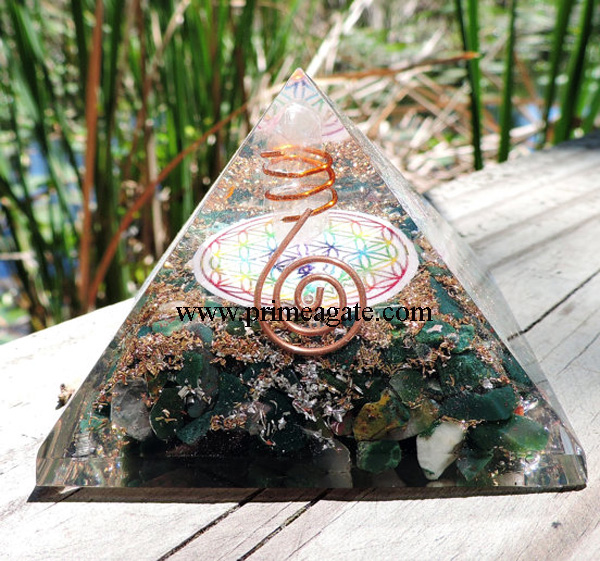 Orgone-Bloodstone-Chakra-Flower-Of-Life-Pyramid-With-Charge-Crystal-Point