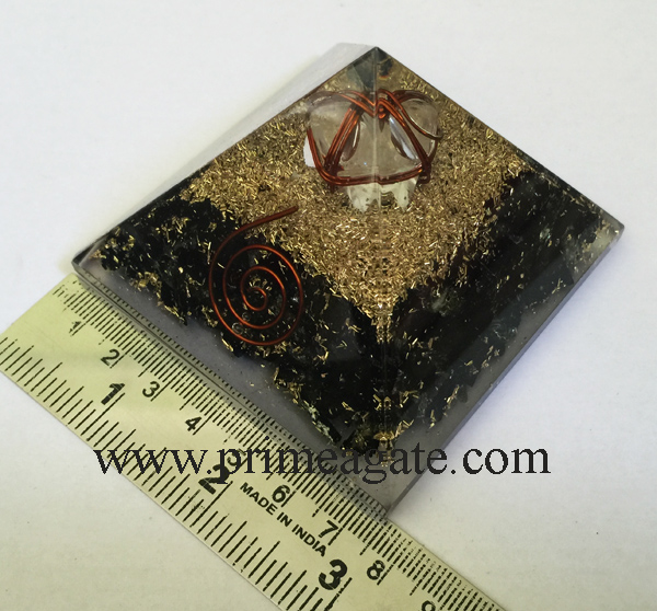 orgonite-black-tourmaline-pyramid-with-crystal-quartz-merkaba-star
