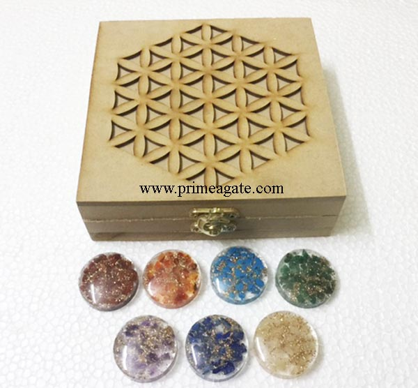 Flower-of-life-box-with-chakra-orgone-disc-set