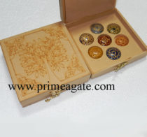 Tree-Etched-Box-With-Chakra-Disc-Set