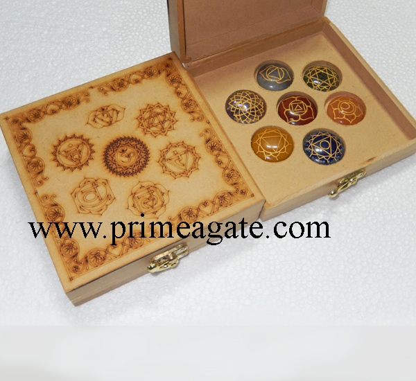 chakra-mandala-engraved-box-with-disc-set